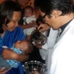 7  Bayi Menerima Sakramen Baptis Menjadi Anggota Gereja Katolik