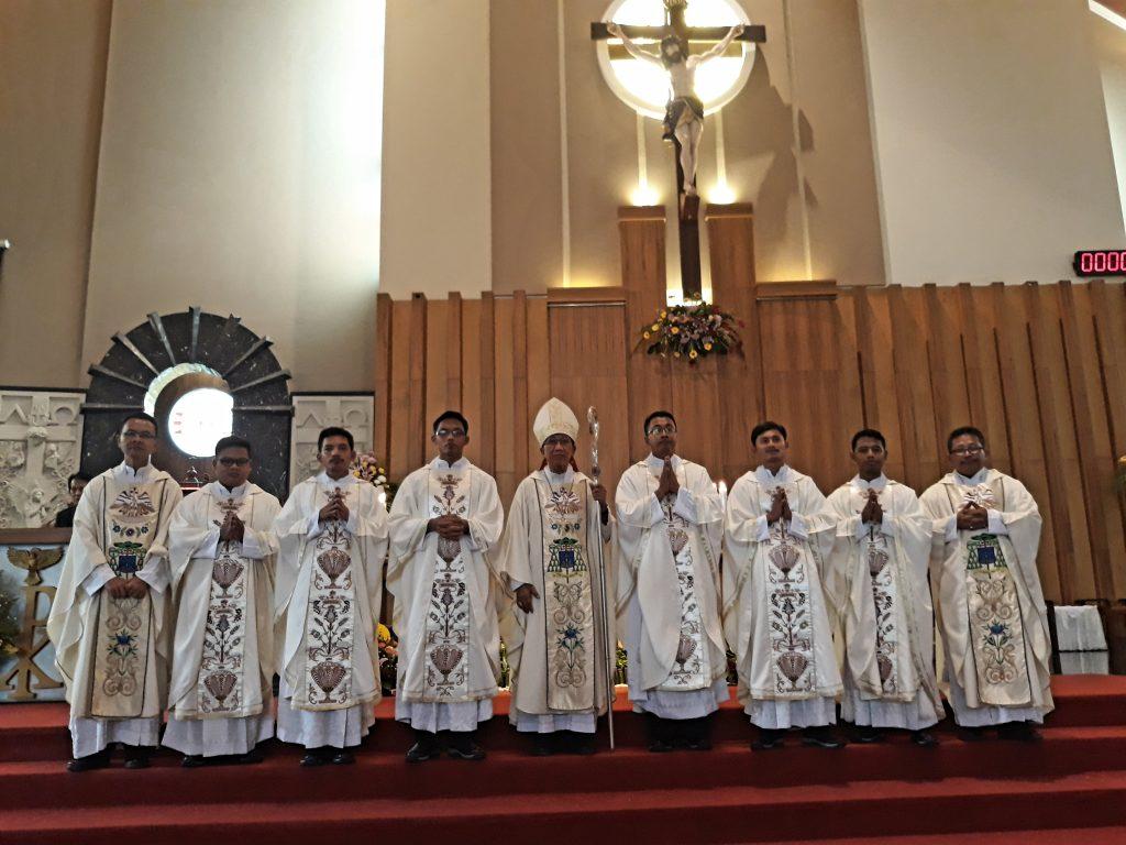 KAPal Memperoleh 6 Imam Diosesan Baru