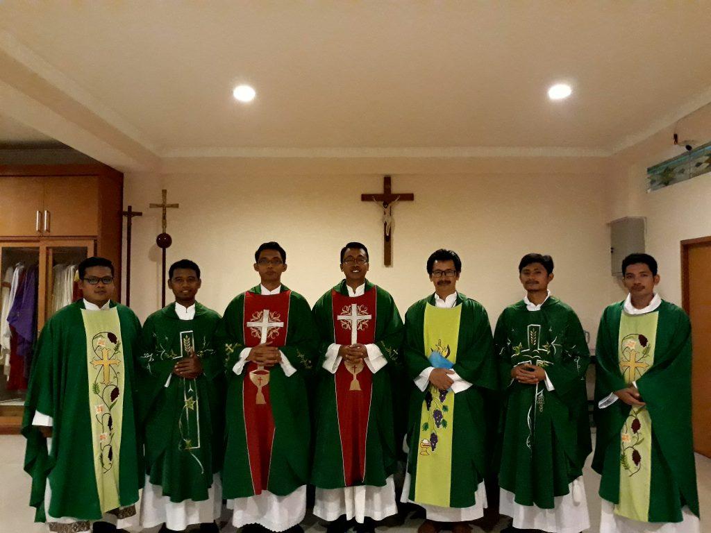 Misa Perdana Dan Ramah Tamah Dengan 6 Imam Diosesan Baru