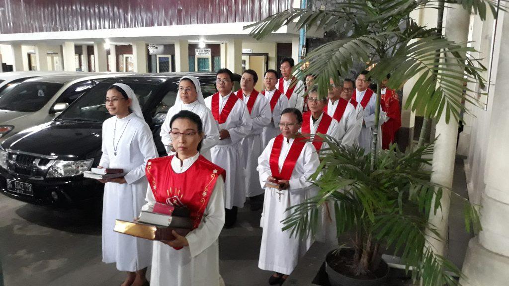 Pentakosta Memberi Kita Rahmat Roh Kudus