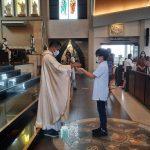 104 Anak Pertama Kali Menerima Tubuh Kristus