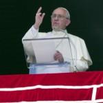 Paus Imbau Komunitas Agama di Eropa Tampung 1 Keluarga Migran