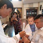 8 Anak Menjadi Anggota Gereja Katolik